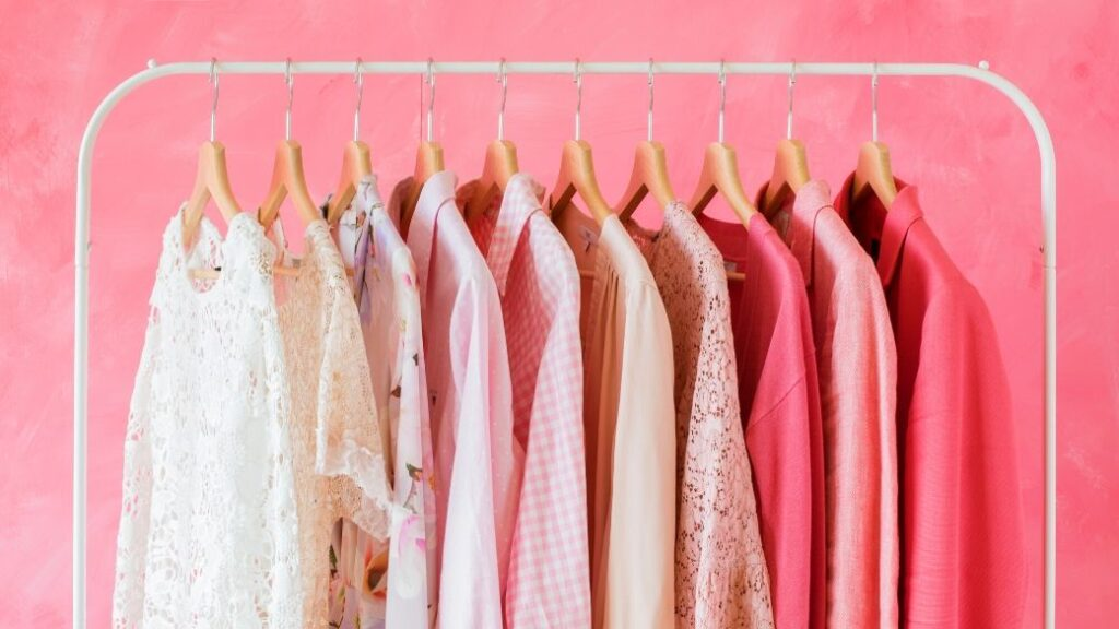 Buying Right Hangers for Your Clothes: What are the Most Popular Types?